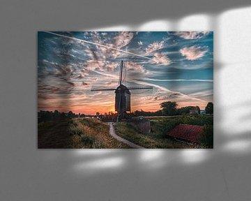 Molen van Heusden met de opkomende zon van Tim Vrijlandt