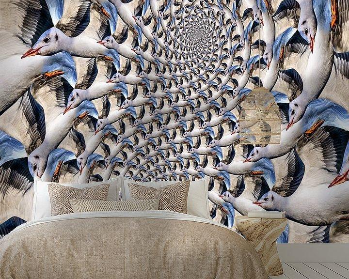 Sfeerimpressie behang: Zeemeeuw Loxodroom van Tis Veugen