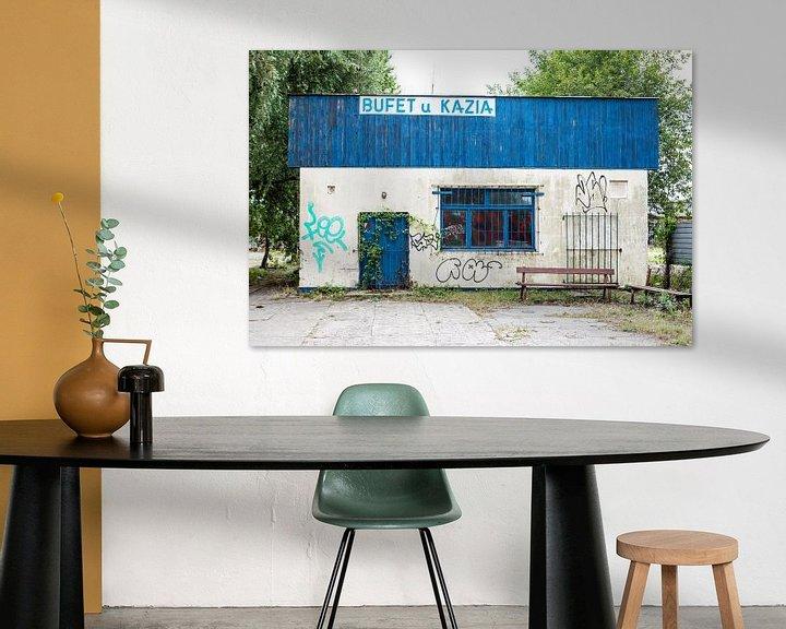 Beispiel: altes Restaurantgebäude mit Graffiti in Danzig von Eric van Nieuwland