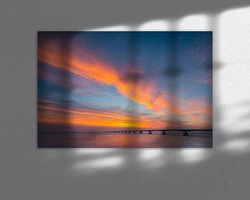 Sonnenaufgang an der Zeelandbrug-Brücke, Zeeland, Niederlande