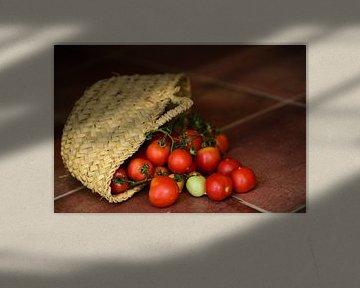 Tomaten in mandje van Ulrike Leone