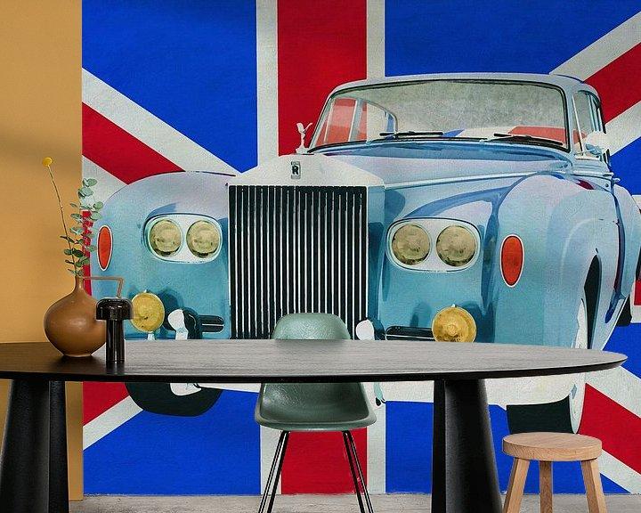 Sfeerimpressie behang: Rolt Royce Silver Cloud voor de Union Jack... van Jan Keteleer