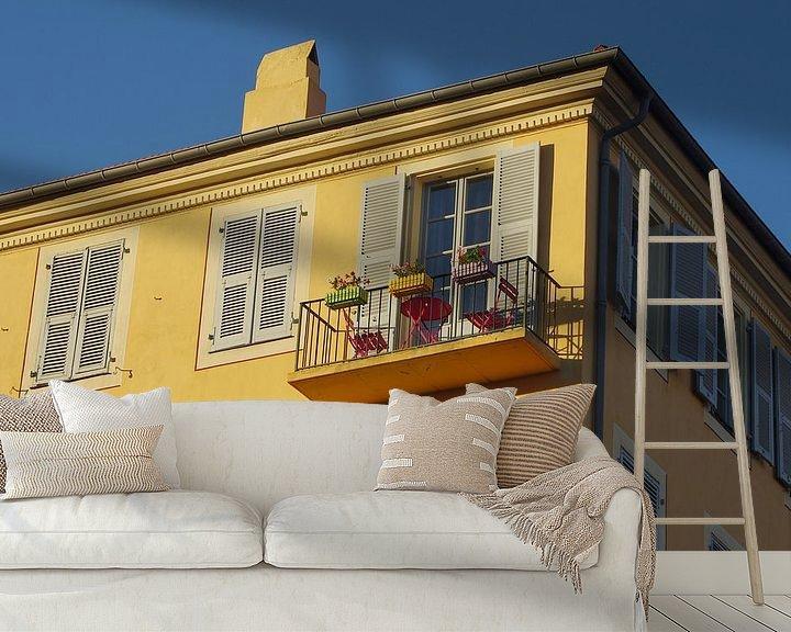 Sfeerimpressie behang: Balkon in Nice van Romuald van Velde