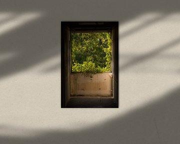 Uitzicht vanuit een ruine. van Arie-Jan Eelman