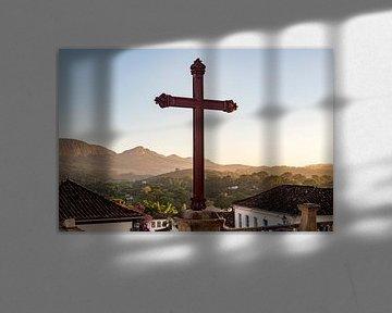 Heilig kruis op bergtop, Brazilie van Frank Alberti