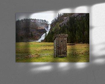Toilethokje voor waterval van Coen Feron