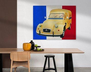 La Citroën 2CV devant le drapeau français