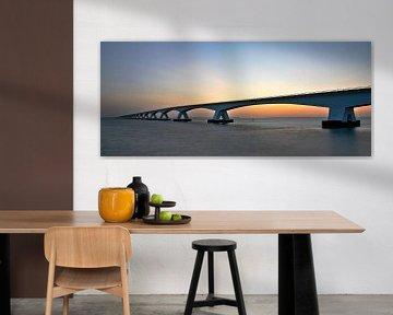 De Zeelandbrug in panorama tijdens zonsopkomst van Gert Hilbink