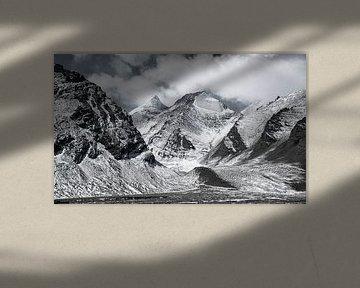 Bergpass zwischen Tibet und Nepal von Rietje Bulthuis