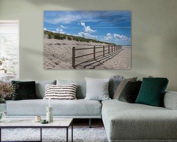 Strand en duinen op een mooi zomerse dag