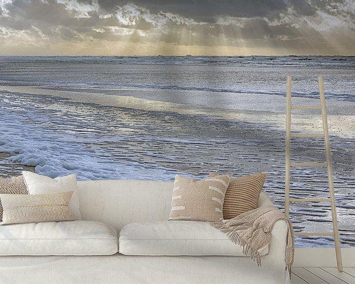 Sfeerimpressie behang: Sfeervolle zonsondergang tijdens de storm van Ronald Smits