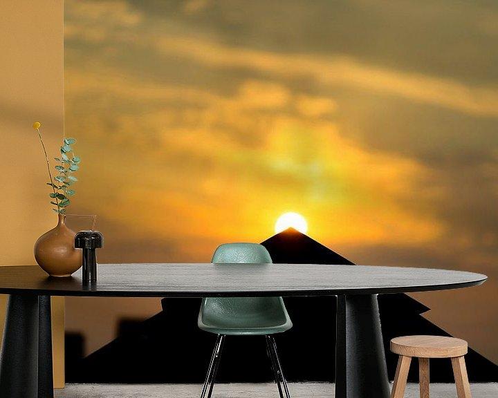 Sfeerimpressie behang: Gouden zonsondergang van Ken Huysmans
