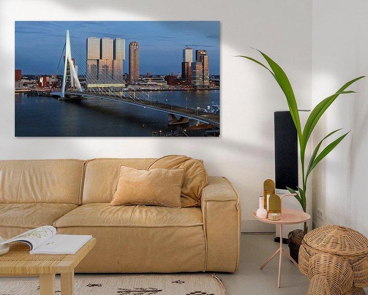 Impression: Rotterdam Erasmusbrücke am Abend sur Rob van der Teen