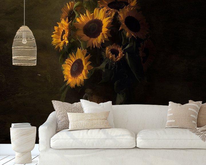 Sfeerimpressie behang: Royal Zonnebloem ode aan Vincent van Gogh van Sander Van Laar