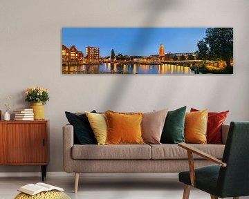 Skyline van Zwolle in de avond van Sjoerd van der Wal