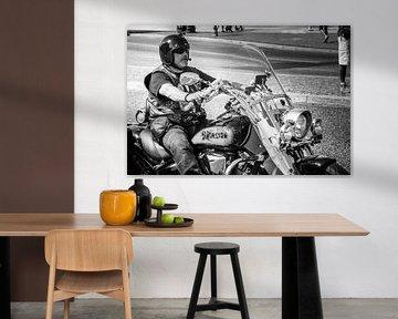 Motorradfahrer (Biker) schwarz/weiss von GerART Photography & Designs