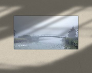 Dichter Nebel am Morgen entlang der Uferpromenade von Marcel Derweduwen
