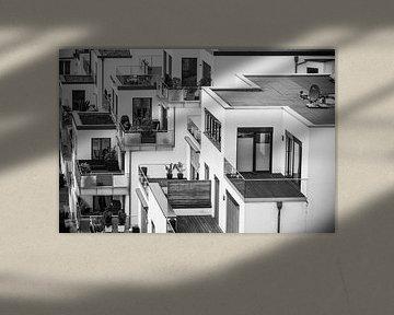 Schwarz-Weiß-Foto von Schachbrettmusterhäusern von Patrick Verhoef
