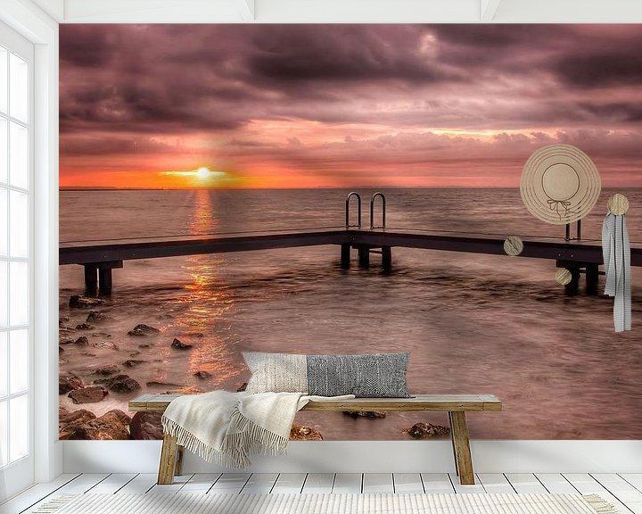 Sfeerimpressie behang: Sunrise Ouddorp zwemsteiger van Marjolein van Middelkoop