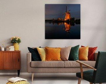 Verlichte molen Kinderdijk van Cor de Bruijn