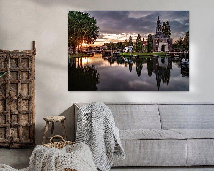 Sfeerimpressie: De Zijlpoort in Leiden in de ondergaande zon van Martijn Joosse
