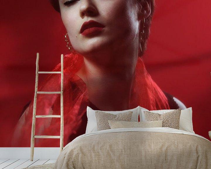 Sfeerimpressie behang: Vintage vrouw van Iris Kelly Kuntkes