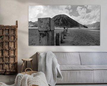 Berg naast de Bromo vulkaan van Geert Keularts
