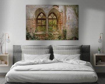 Kirchenwand mit Fenstern von Wesley Van Vijfeijken