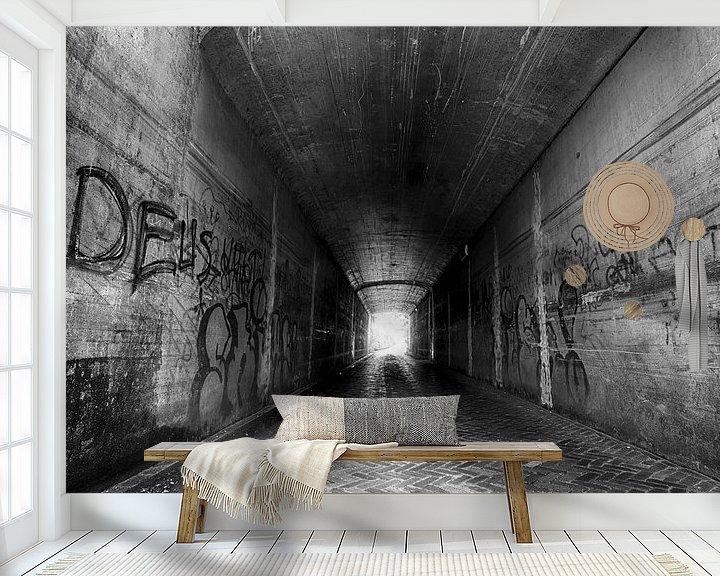 Sfeerimpressie behang: Donkere tunnel van Mark Bolijn