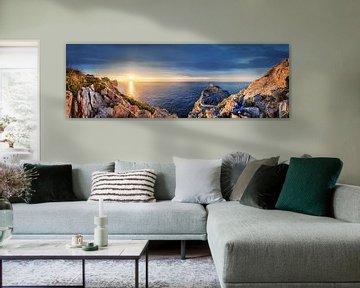 Landschap bij Formentor op het eiland Mallorca bij zonsondergang. van Voss Fine Art Fotografie