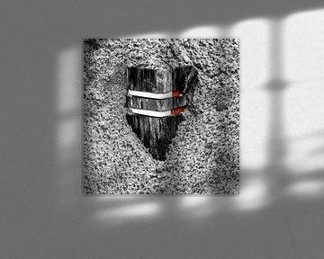 Mit Sand bedeckte Verkehrspoller von Jan Hermsen