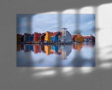 Kleurrijke huizen aan het Reitdiephaven van Richard Gilissen