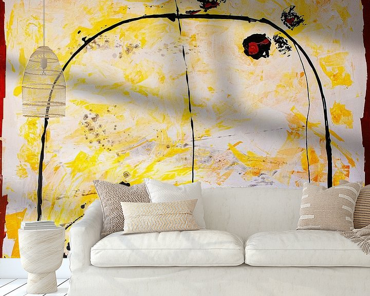 Sfeerimpressie behang: Zwarte boog op geel van Klaus Heidecker