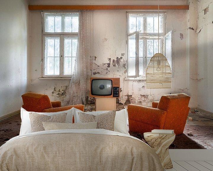 Beispiel fototapete: Fernsehen in einem verlassenen Raum. von Roman Robroek