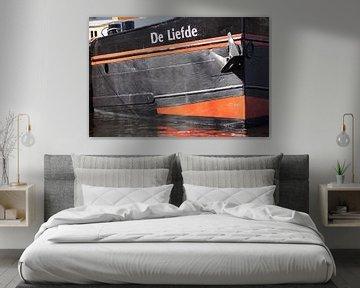 """Boot """"Liebe""""Detailfoto Farbe liegend von Marion Hesseling"""