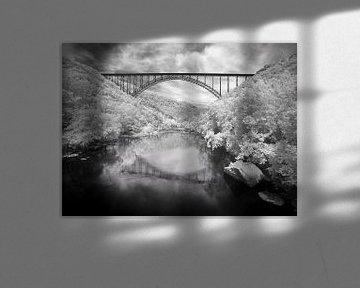 Landschaft mit einer Brücke über die New River Gorge von Zeger Knops