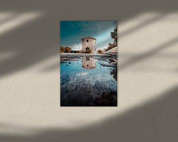 Grisch windmolens op Zakynthos, met reflectie gedurende de dag van Fotos by Jan Wehnert