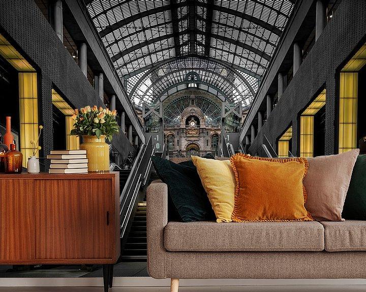 Sfeerimpressie behang: Treinstation Antwerpen - Belgie van Patrick Rodink