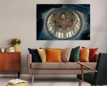 Die Kuppel der Kirche aus einem einzigartigen Blickwinkel. von Tomasz Baranowski