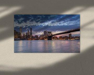Panoramisch uitzicht op South Manhattan (New York City) vanaf Brooklyn Bridge Park van Carlos Charlez