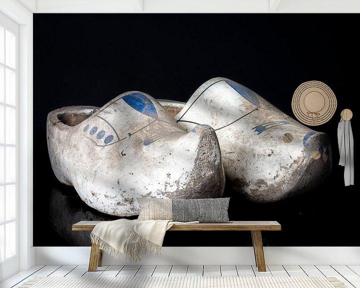 Sfeerimpressie behang: Peasant clogs van Marjan Noteboom