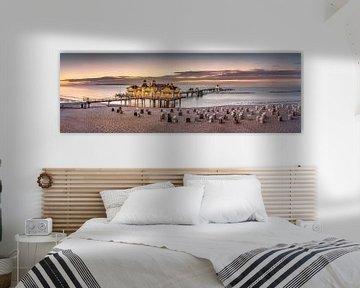 Oostzeebadplaats Sellin met pier op het eiland Rügen in de zomer. van Voss Fine Art Fotografie