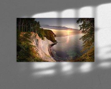 Kreidefelsen an der Ostsee auf Rügen zum Sonnenaufgang. von Fine Art Fotografie