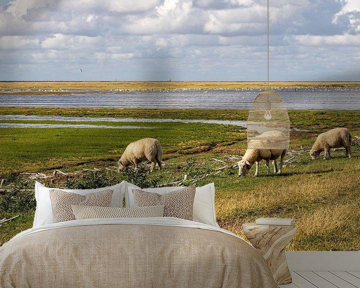 Beispiel fototapete: Schafe am Deich vor Westerhever von Alexander Wolff