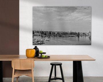 Uitzicht over de oude stad van Amsterdam van Don Fonzarelli