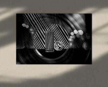 Lijnen en cirkels in zwart-wit van Wim Stolwerk