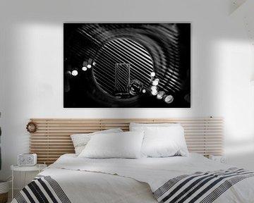 Glaswerk en vertekening in zwart-wit van Wim Stolwerk