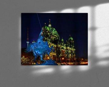Berlijn: Kathedraal en televisietoren met historische ruiterfiguur