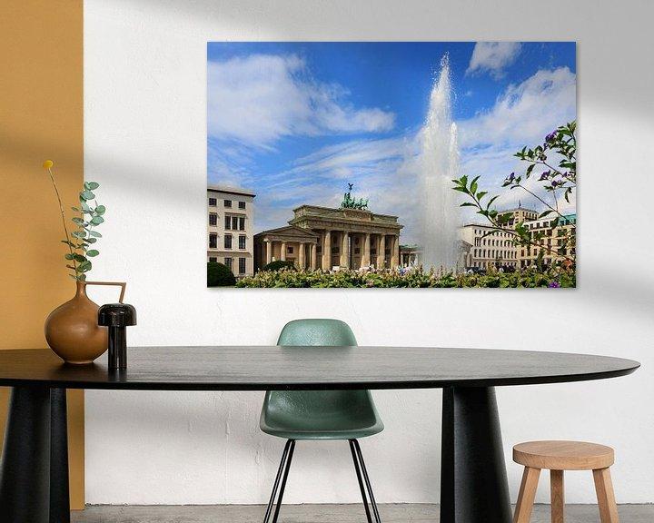 Sfeerimpressie: Brandenburger Tor Berlin met fontein van Frank Herrmann