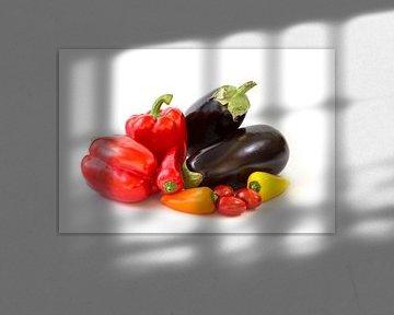 Groente geïsoleerd op een witte achtergrond van Carola Schellekens
